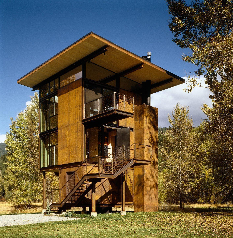 Maison En Bois Pour 100000 une maison en bois et acier corten sur pilotis comme une