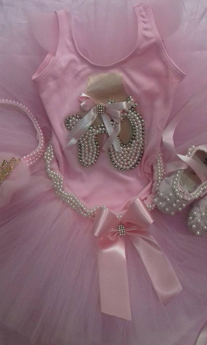 aafbdda527 Lindo conjunto bailarina luxo Saia tutu bordada em pérola Body bordado em  pérola e stras com