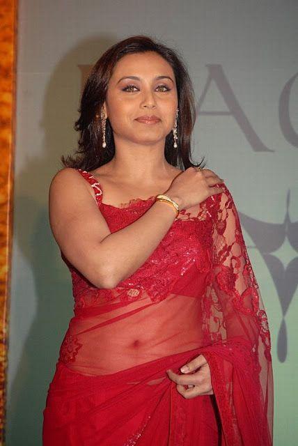 Rani Mukherjee Sexy Saree Bra