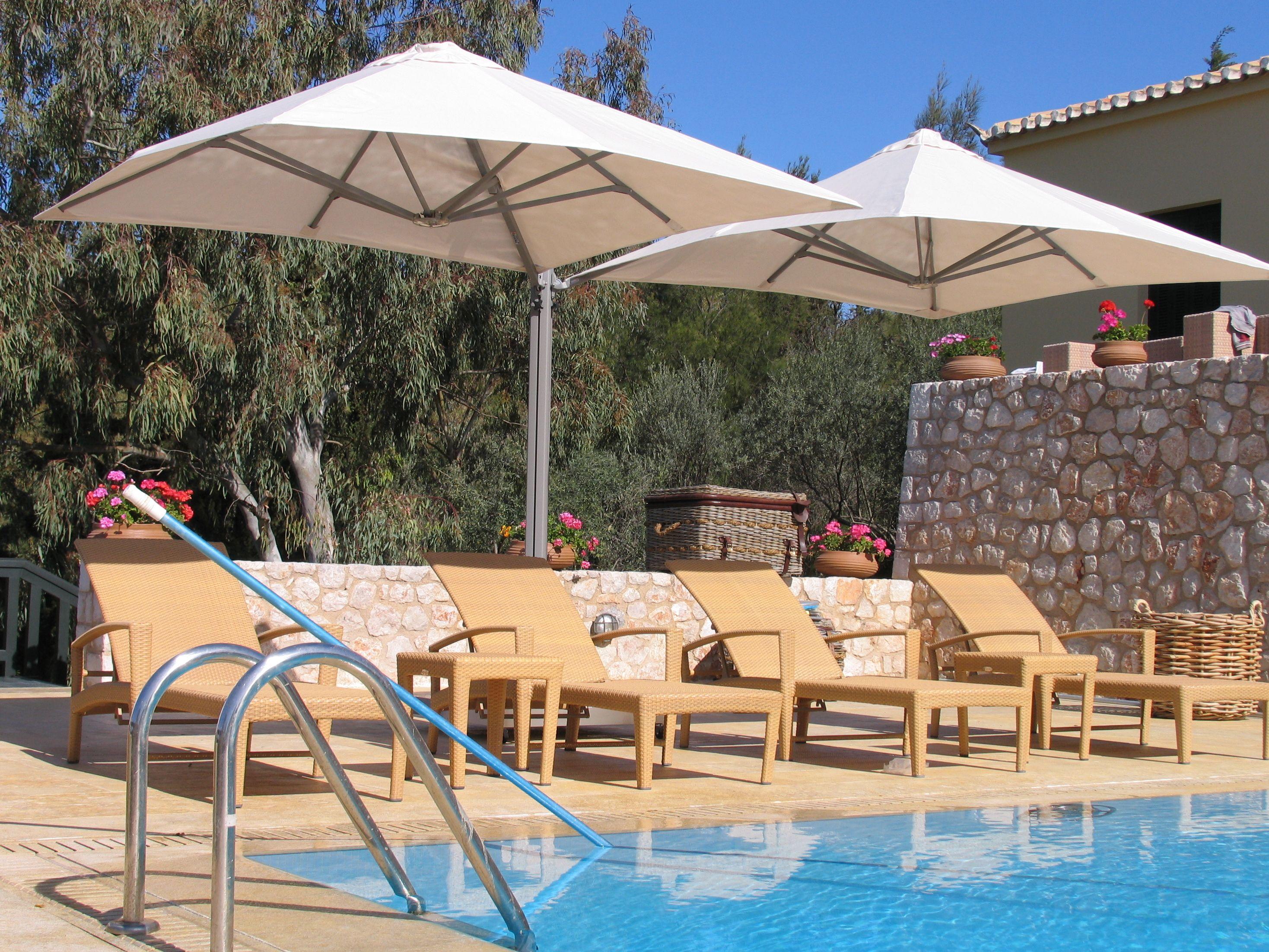 pool summer shade relax the shading of prostor parasols prostor