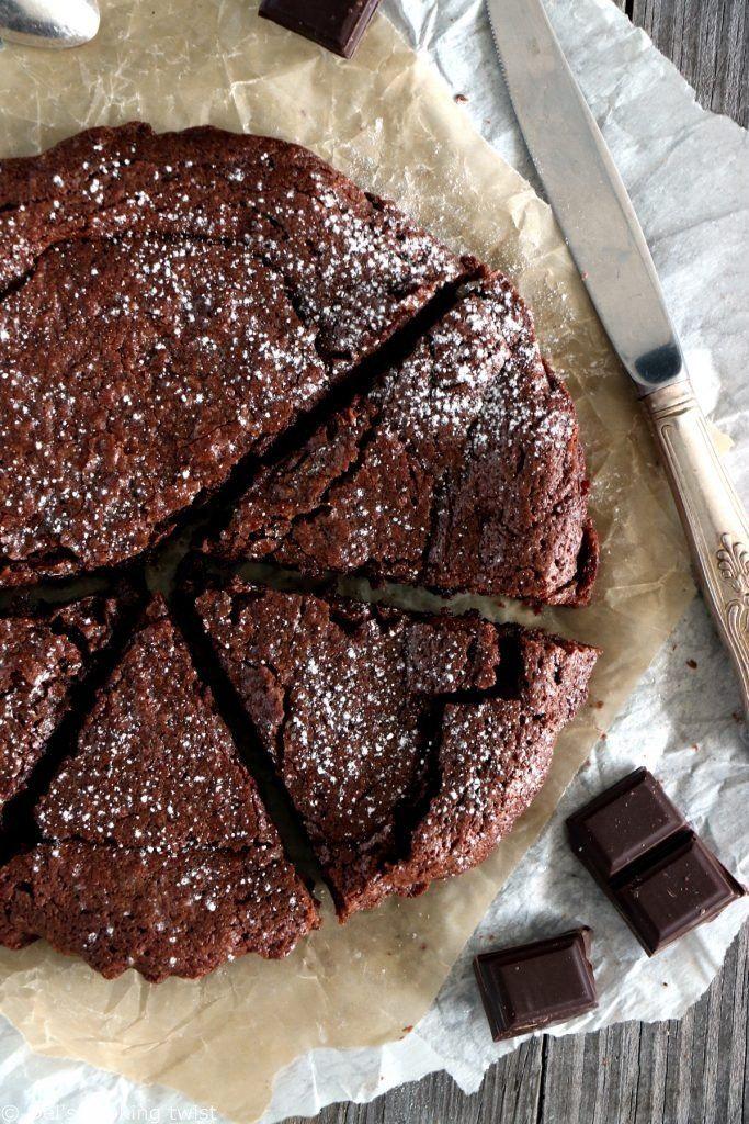 Gâteau au chocolat très moelleux | Del's cooking twist