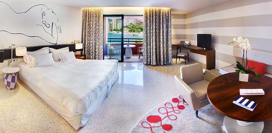 Junior Suite. Интерьер отеля monte carlo beach, дизайн Индиа Махдави. / India Mahdavi #hotel  #гостиница #интерьер  #ИндиаМахдави  http://www.india-mahdavi.com/28/projects/hotels/monte-carlo-beach.html