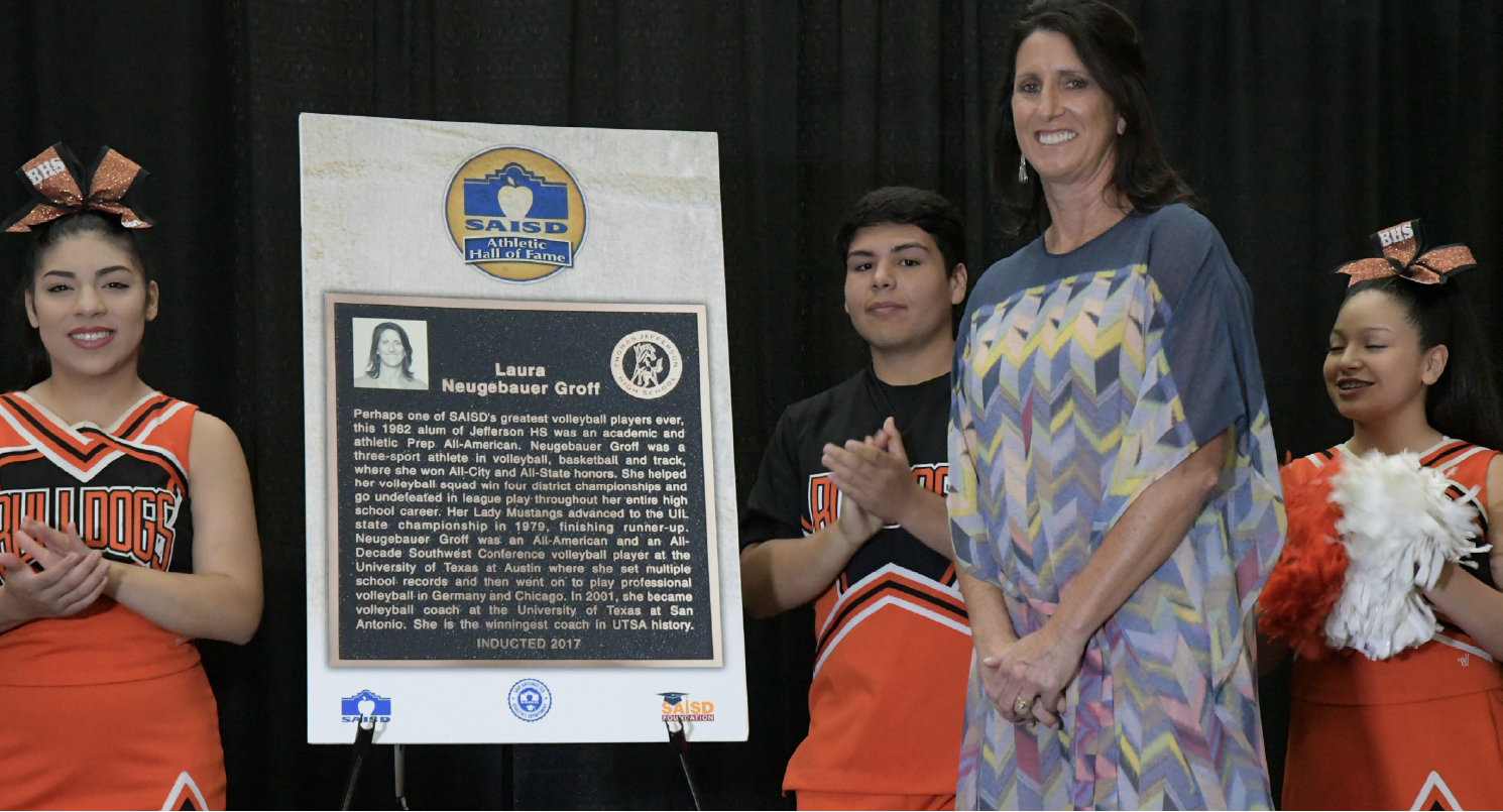 Utsa Coach Laura Groff Inducted Into Saisd Hall Of Fame Coaching Volleyball Coach Fame
