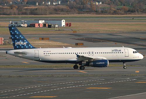 JETBLUE, AIRBUS A320, N571JB, at JFK, New York, USA.