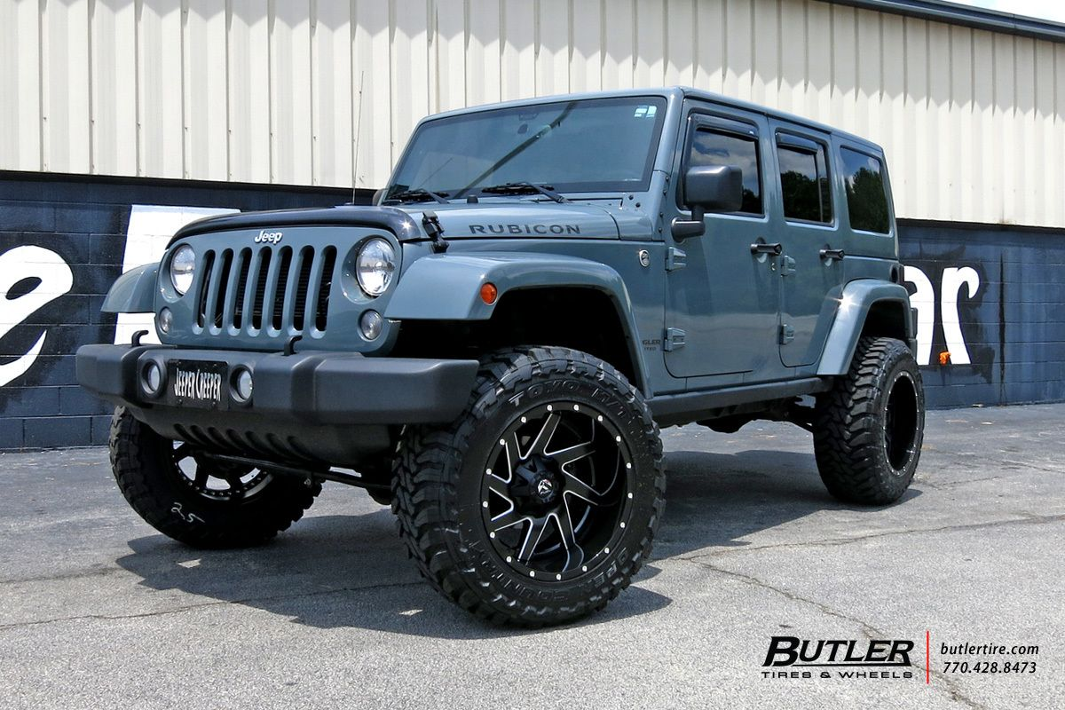 Lifted Jeep Wrangler with 22in Fuel Renegade 2 Piece