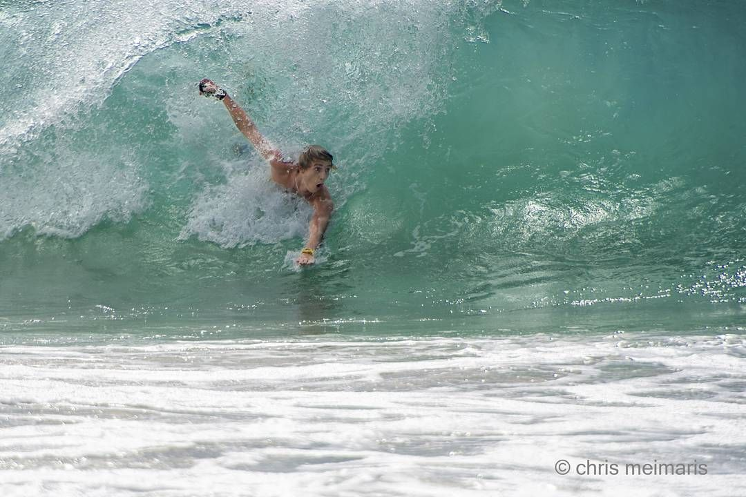 Froggy beach  #australia #goldcoast #visitgoldcoast #snapper #snapperrocks #coolangatta #superbanks #greenmount #kirra #surfing #surf #barrel #wave #waves #duranbah #boogieboard by chrismeimaris