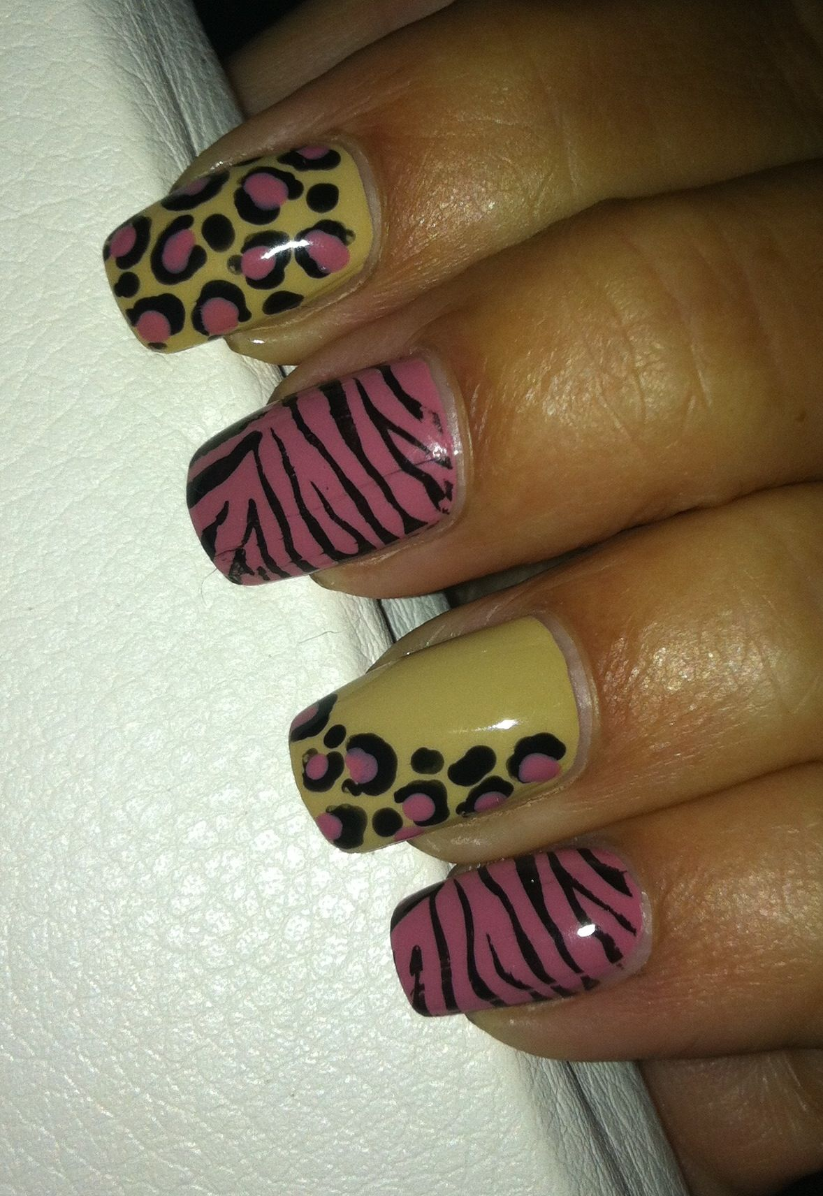 Animal print nail art | All about Nails | Pinterest | Leopard nails ...
