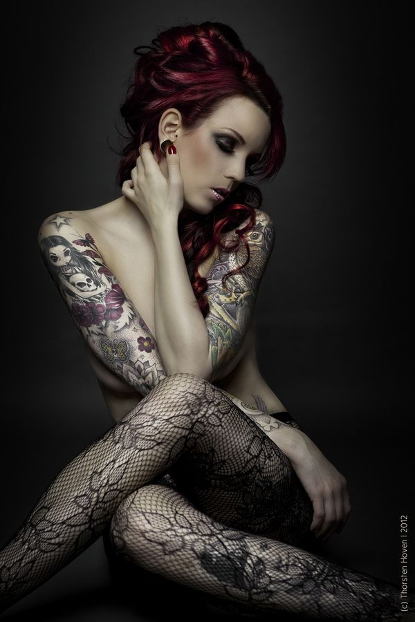 Not usually a fan of large tattoos on a lady but this for Hot tattooed babes