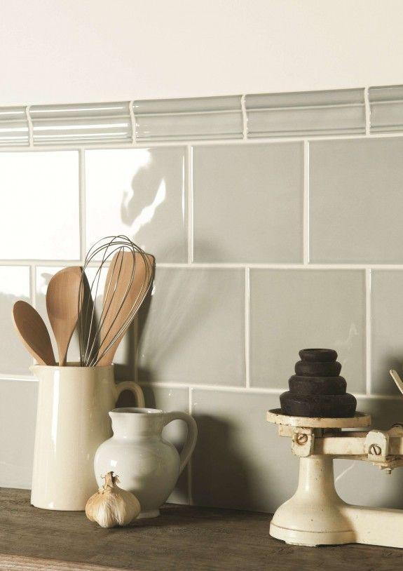 Mit neuen Fliesen sieht die Küche gleich moderner aus - wandfliesen für küche