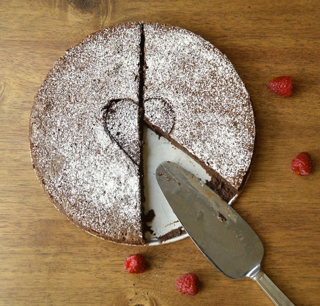 Pastel de mousse de chocolate sin harina | 33 Postres increíbles libres de gluten