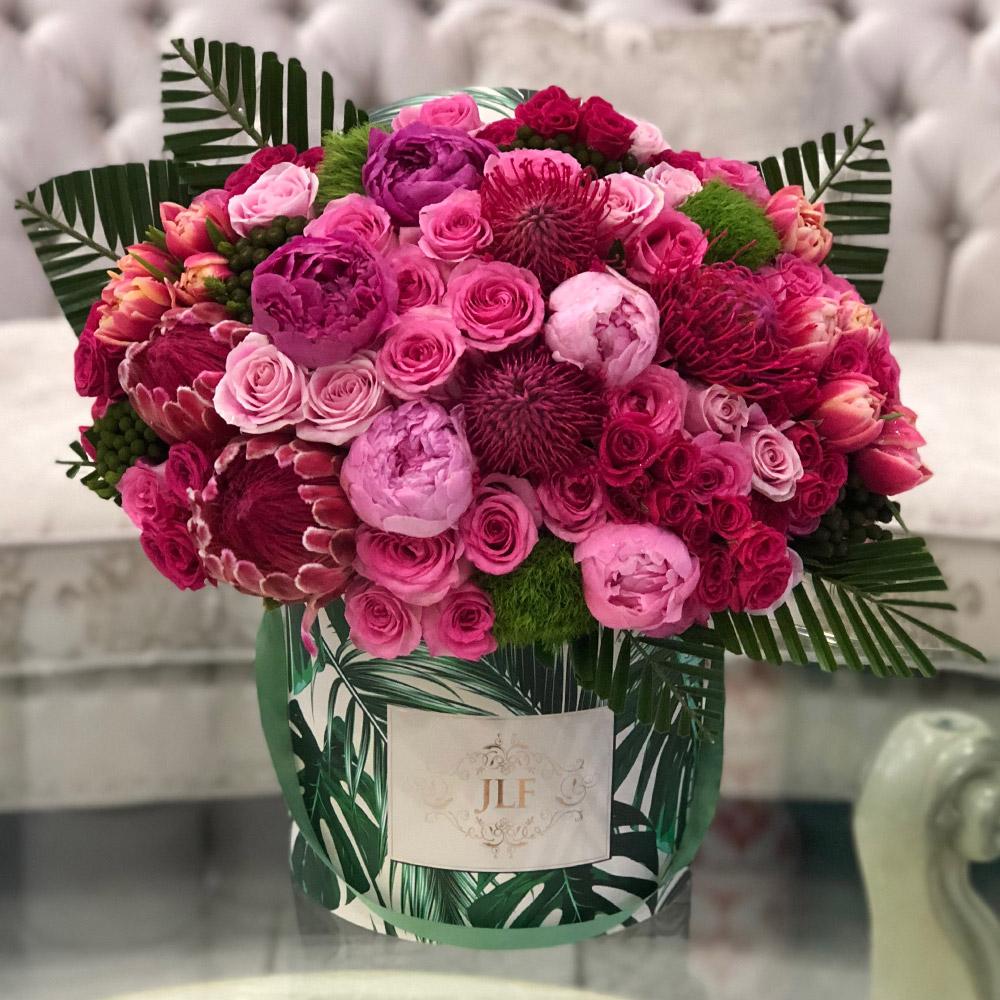 Fuchsia Tropicana Jlf Los Angeles Valentine S Day Flower Arrangements Beautiful Rose Flowers Fuchsia Flower