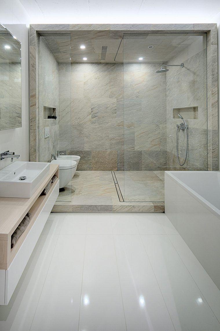 Salles De Bain | Une Salle De Bain Blanche | #salledebain, #décoration, # Luxe. Plus De Nouveautés Sur Magasinsdeco.fr/