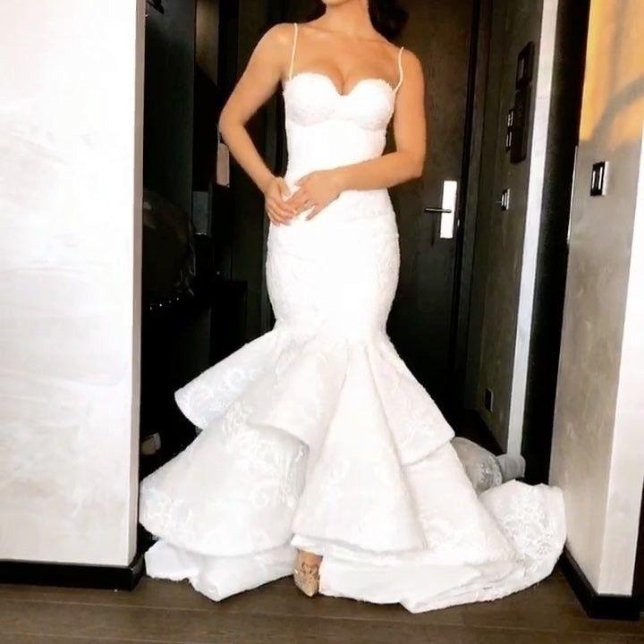 Altar Bound Wedding Dresses: 17.4 Mil Curtidas, 127 Comentários