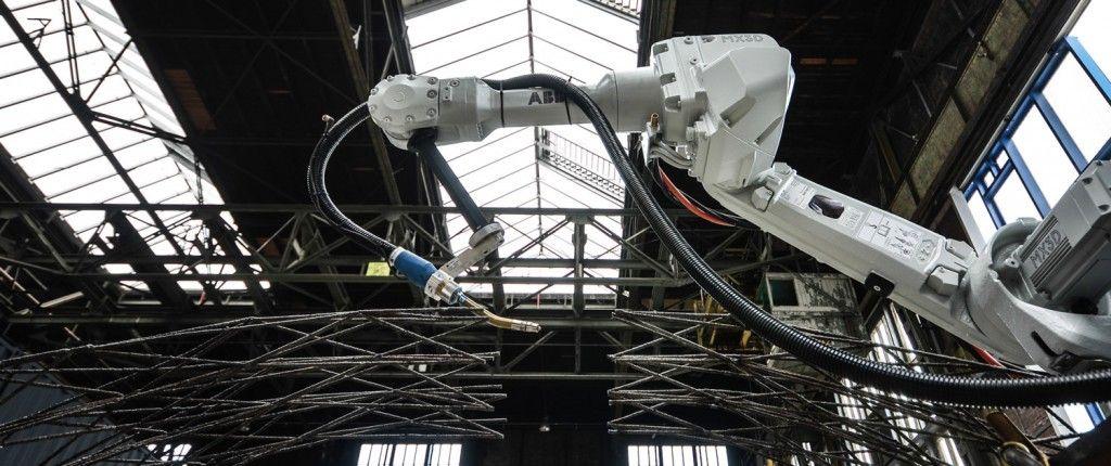 3D Printed Steel Pedestrian Bridge Will Soon Span an Amsterdam Canal http://3dprint.com/72682/amsterdam-3d-printed-bridge/
