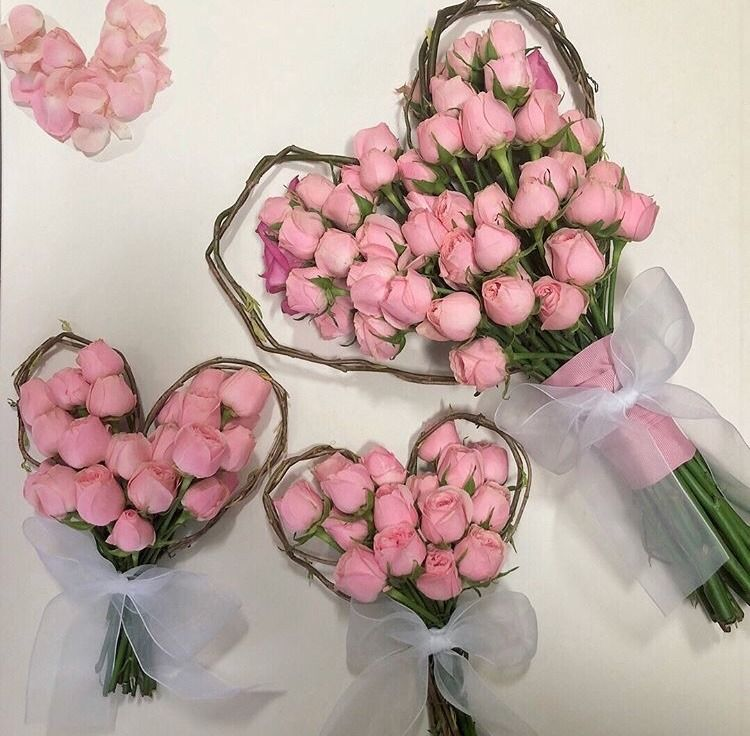 Pin By 𝓼𝓸𝓹𝓱𝓲𝓮𝓽𝓱𝓮𝓪𝓼𝓼𝓱𝓸𝓵𝓮 On Diradore School Of Magics Pink Aesthetic Floral Pretty In Pink