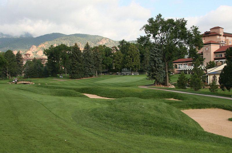 21+ Broadmoor hotel golf course viral