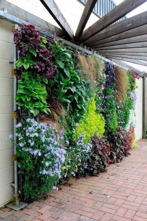 25 modelos de jardines verticales para espacios peque os for Decoracion jardin pequeno reciclado