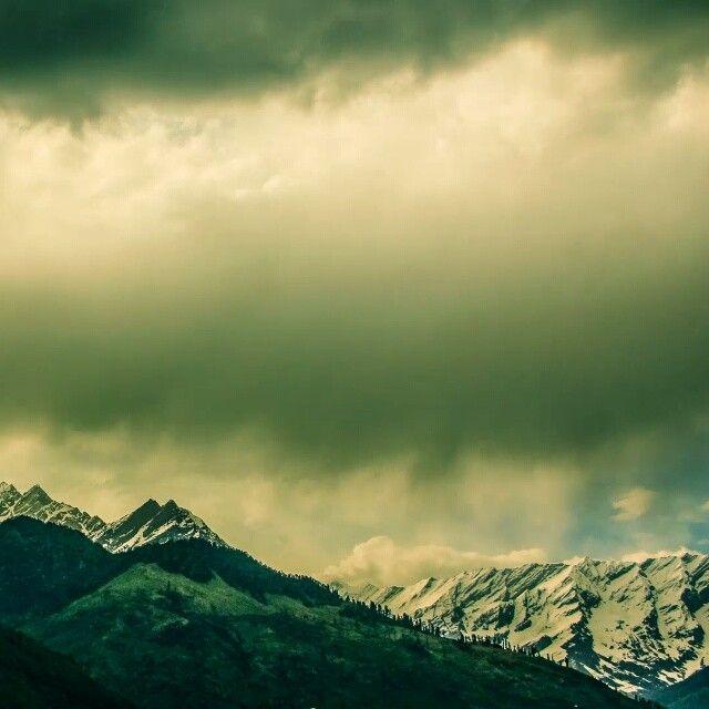 hyper.lapse. mystical.undercover.  #108 #timelapse #himachalpradesh #snowpeaks #greenery #tosh #echocentral #himalayas #supercream #calm #clouds #background #nature #true #vastness #serenity #time #space #cannabissattiva #hash #harharmahadev #shiva #lordshiva #environment #thisisindia #india