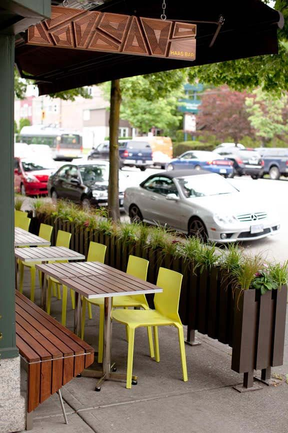 Patio Planter In Lieu Of Railing Concept Patio De Restaurante