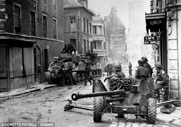 the troops who survived d day by historian antony beevor historian and troops. Black Bedroom Furniture Sets. Home Design Ideas