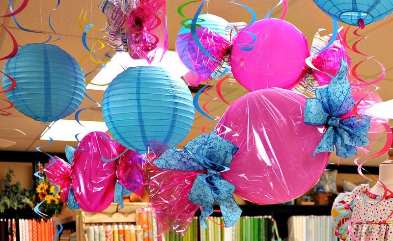 candyland decorations, via Notes From The Patch #candylanddecorations