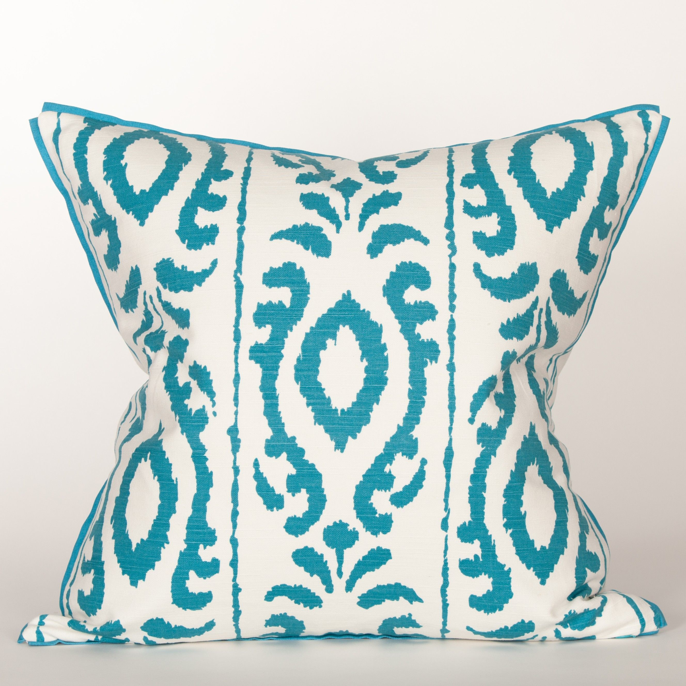 Nowayton Ilene 100% Cotton Throw Pillow