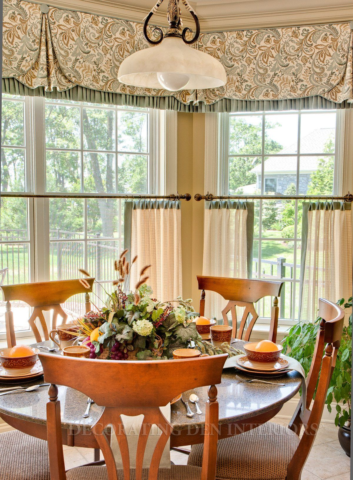 I Love This Dining Room It Has Such A Country Feel To It Kitchen Window Treatments Dining Room Window Treatments Dining Room Windows
