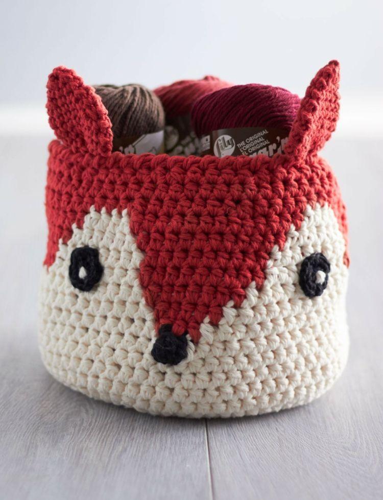 Einen Fuchs stellt diese praktische Deko in Form eines geflochtenen ...
