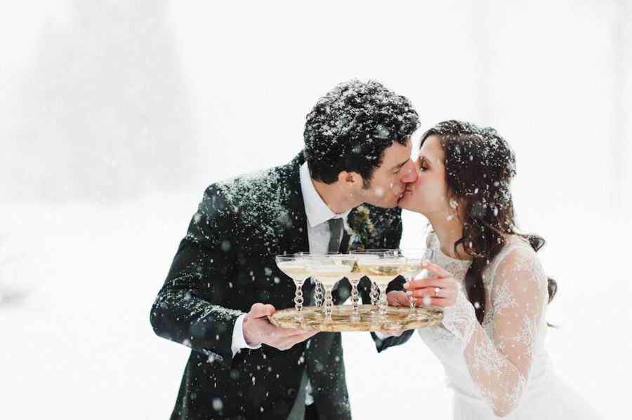 Sure, Montana winters can be tough, butthis snowy photo shoot is proofthey can also be breathtakingly beautiful. Brought to us by Rebecca Hollis Photography and Beargrass Gardens Floral & Eventsit channels the romance of the French countryside all whileembracing the cool quiet of a Montana winter. Witha dreamy lace gown, gorgeous florals, and an intimate […]