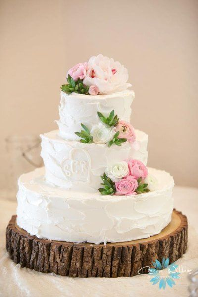 A sweet and rustic cake! Love! {Flowers by Stem}