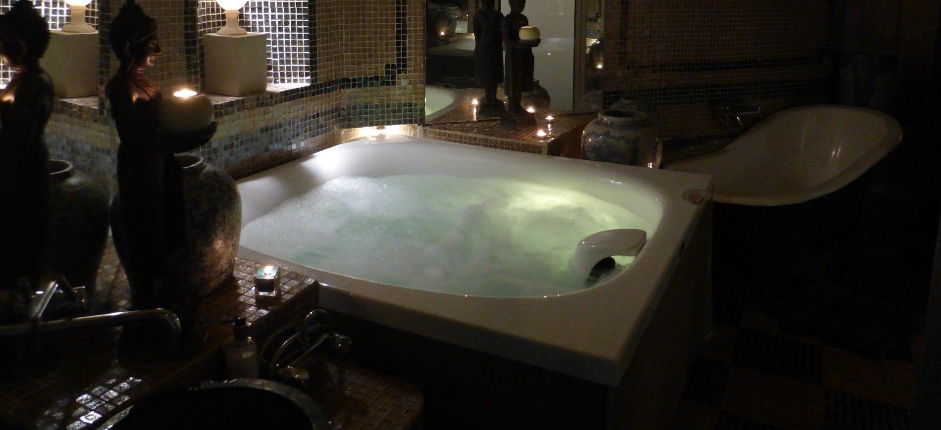 City Spa Hotel Mas De La Chapelle Arles Spa Jacuzzi Baignoire Balneo Spa