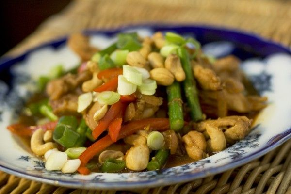 Chicken Stir-Fry with Asparagus, Ginger & Cashews