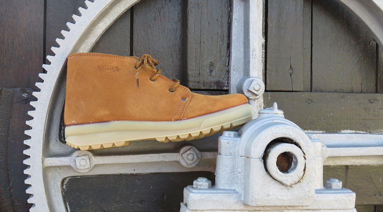 ab6624e8 Calzados Segarra, fabricando calzado desde 1882. El mejor calzado laboral,  militar, trekking
