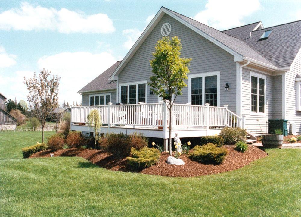 Pin By Lynn Prosser On Decks Backyard In 2020 Landscaping Around