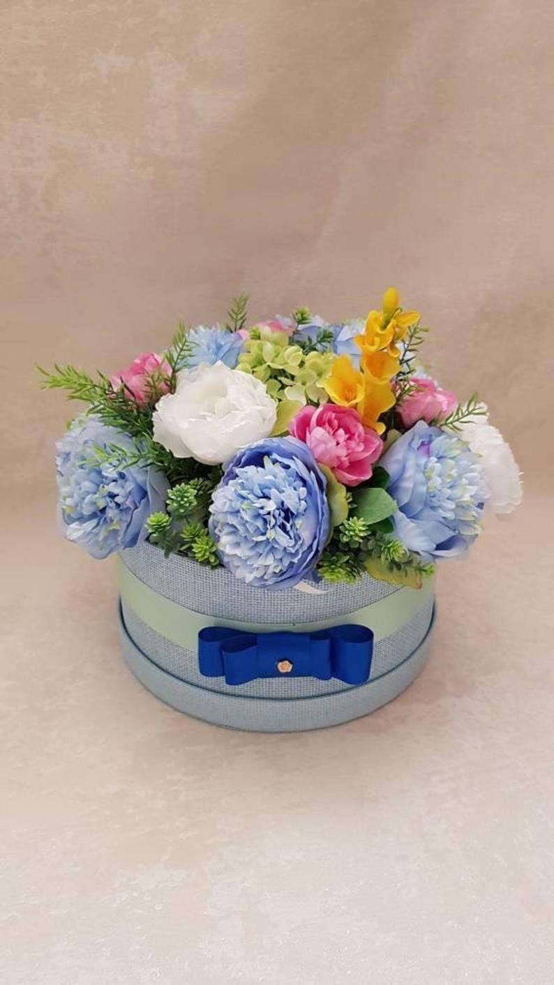 Large hat box faux flower arrangement blue peonies flowers peonies bouquet in a hatbox Flowers in a box Hatbox flowers