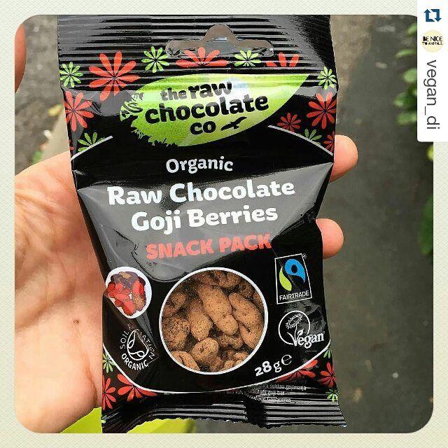 #Repost @vegan_di My new favourite snack @therawchocolatecompany #vegan #vegansofig #veganfoodshare #glutenfree #glutenfreevegan #CrueltyFree #CrueltyFreeFood #rawchocolate #rawchocolate #choctober