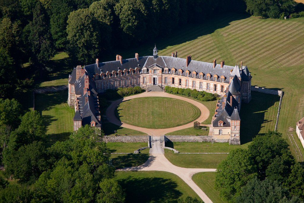 chateau de neuville gambais yvelines france pinterest castles france and palace. Black Bedroom Furniture Sets. Home Design Ideas