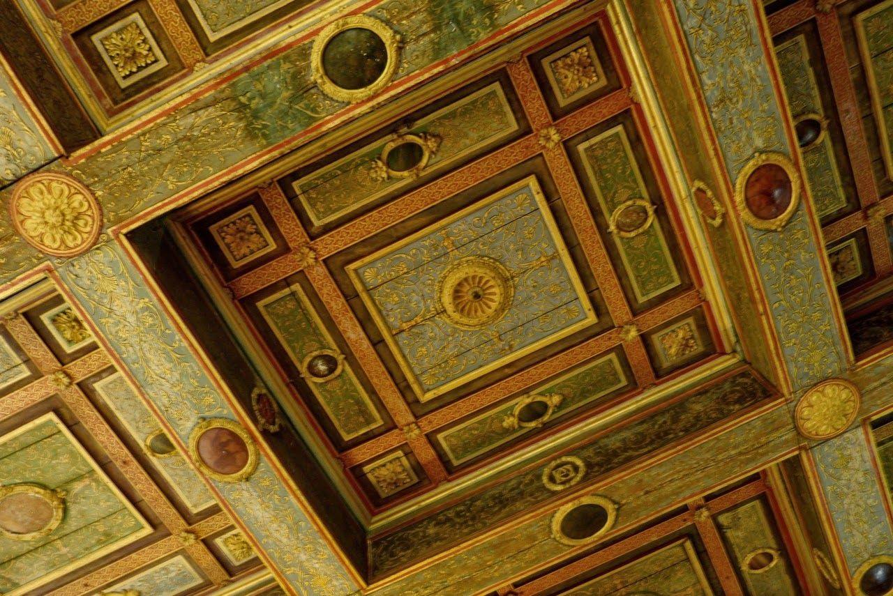Visite Magique Au Chateau D Ancy Le Franc Yonne Une Enigme A Elucider Chateau Visite Plafond