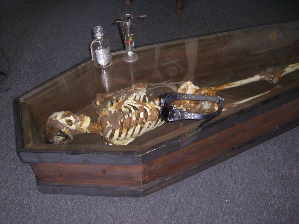 Skeleton coffee table Halloween I Adore Pinterest