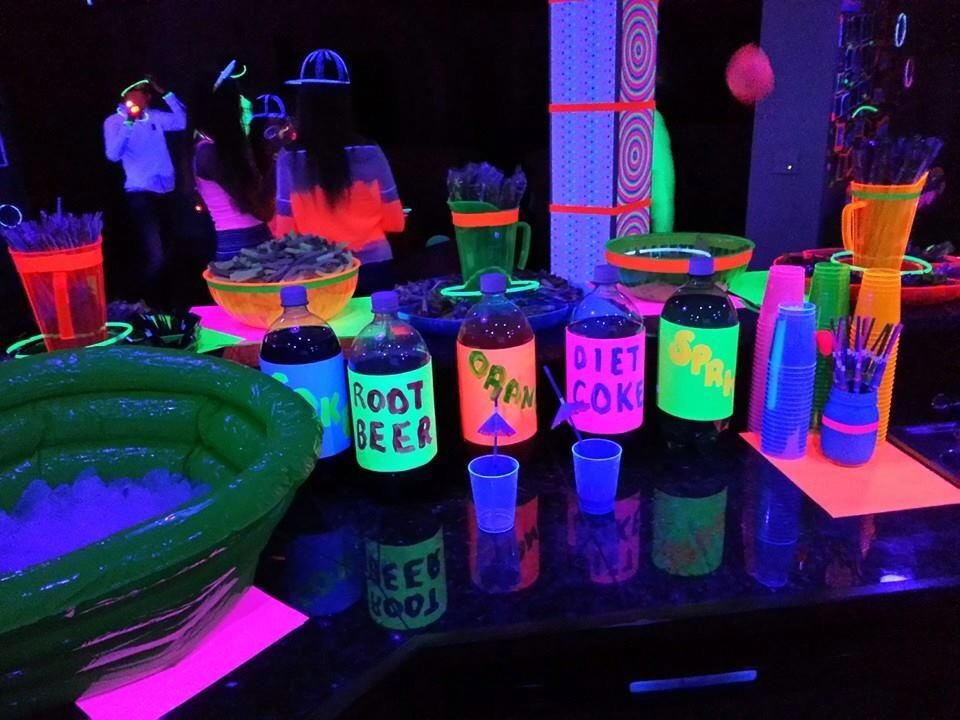Glow In The Dark Sweet 16 Party Decorations from i.pinimg.com