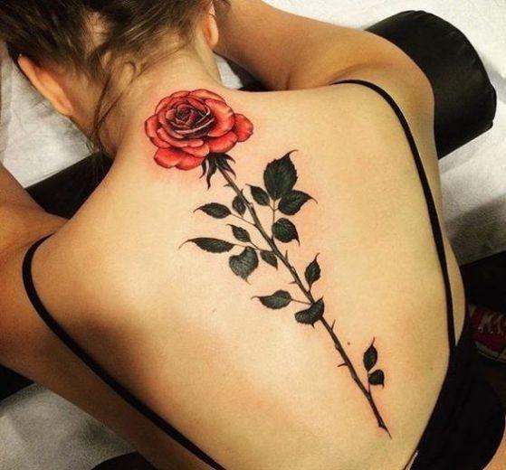 Rosa En La Espalda Tatuaje Tatuajes Cuello Tatuajes De Rosas Tatuajes Femeninos Para La Espalda