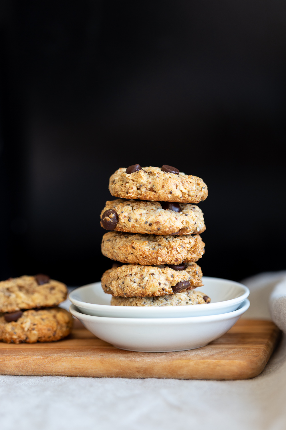 These Glutn Free Vegan Breakfast Cookies Are Satisfying With The Almond Flour Oats Nuts Seeds T In 2020 Breakfast Cookies Breakfast Cookies Gluten Free Vegan Richa