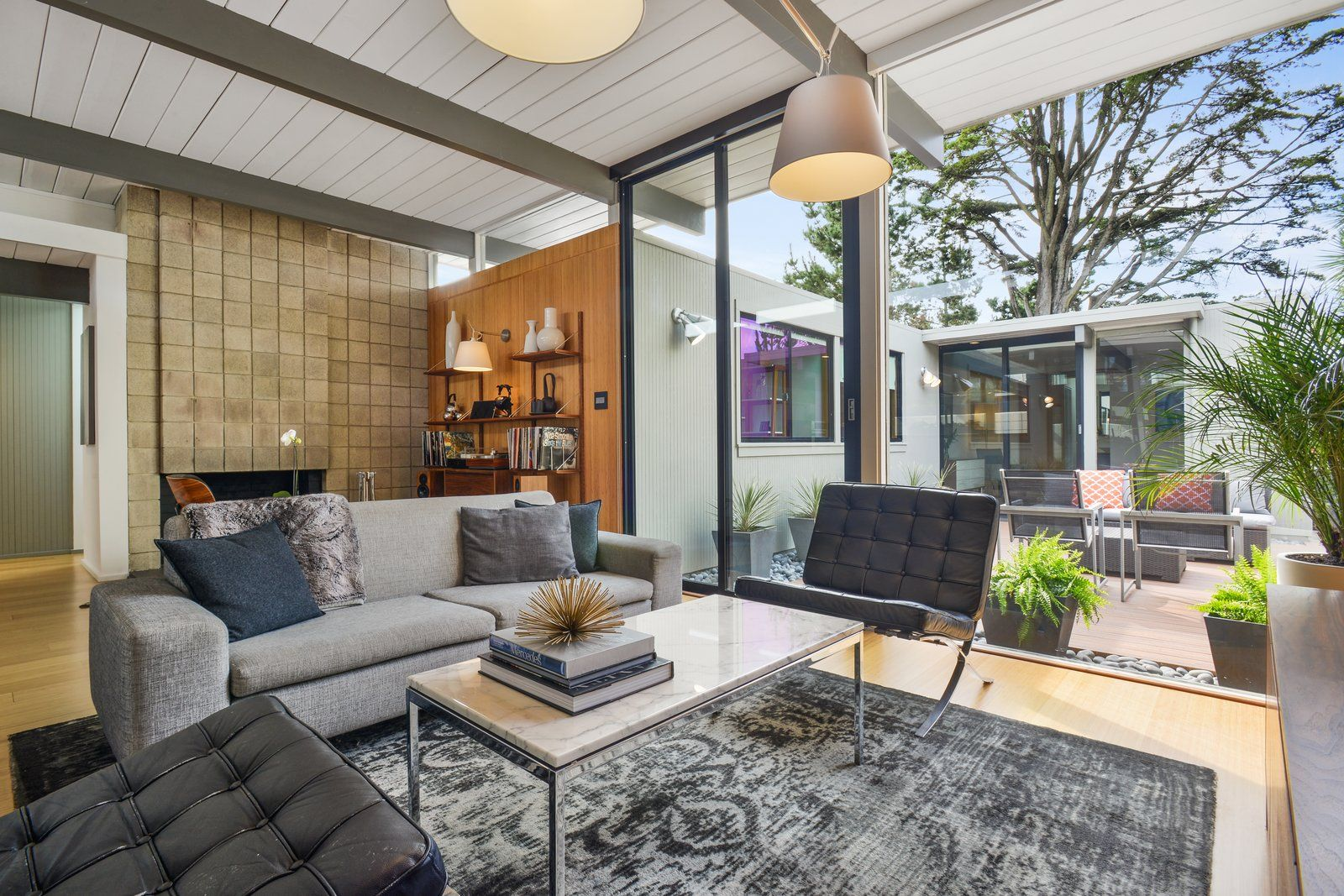 Check Out 2 Beautifully Renovated Eichlers For Sale In San  # Muebles Mayoral