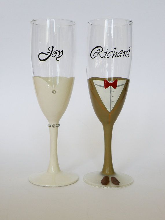 These are 2 beautifully hand painted champagne flutes - Bride and grom with crystals. Size17 cl, crystal glass from Italy. Set of 2 peaces. Stylish design for your first wedding toast.    Each flute is a little art work, original design; it is painted with special paints and small brush. They will make your first wedding toast very special and will look beautiful on your wedding table. It can be excellent wedding gift. I will draw your names and wedding date on flutes. Just send me text you…