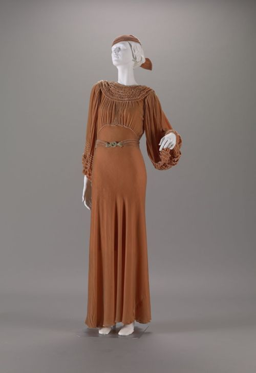wedding dress 1935 vintage fashion