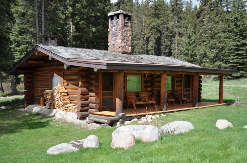 Lamedeer and Canyon are log cabins at Montanas Lone Mountain Ranch