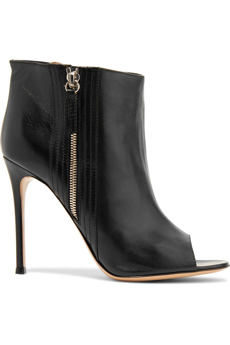 GIANVITO ROSSI Leather Ankle Boots. #gianvitorossi #shoes #boots
