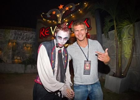 Busch Gardens Tampa Bay · Actor Michael Roark (Vampire Diaries) Braves The  Vampire Casino Haunted House At Howl  Pictures Gallery