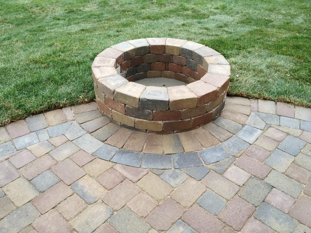 Oaks Paver Patio And Fire Pit We Built In Rochester Hills Mi Brick Paver Patio Paver Patio Patio Pavers Design