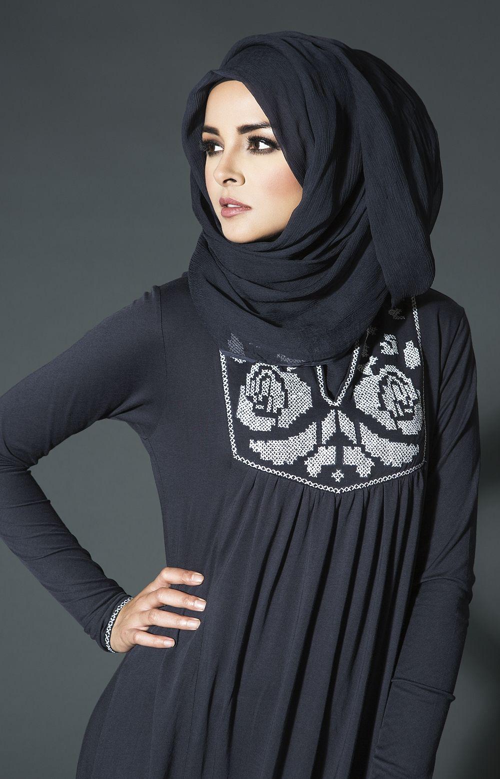 Cross Stitch Rose Abaya | Aab